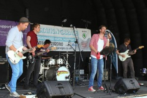 The Supernotes perform live